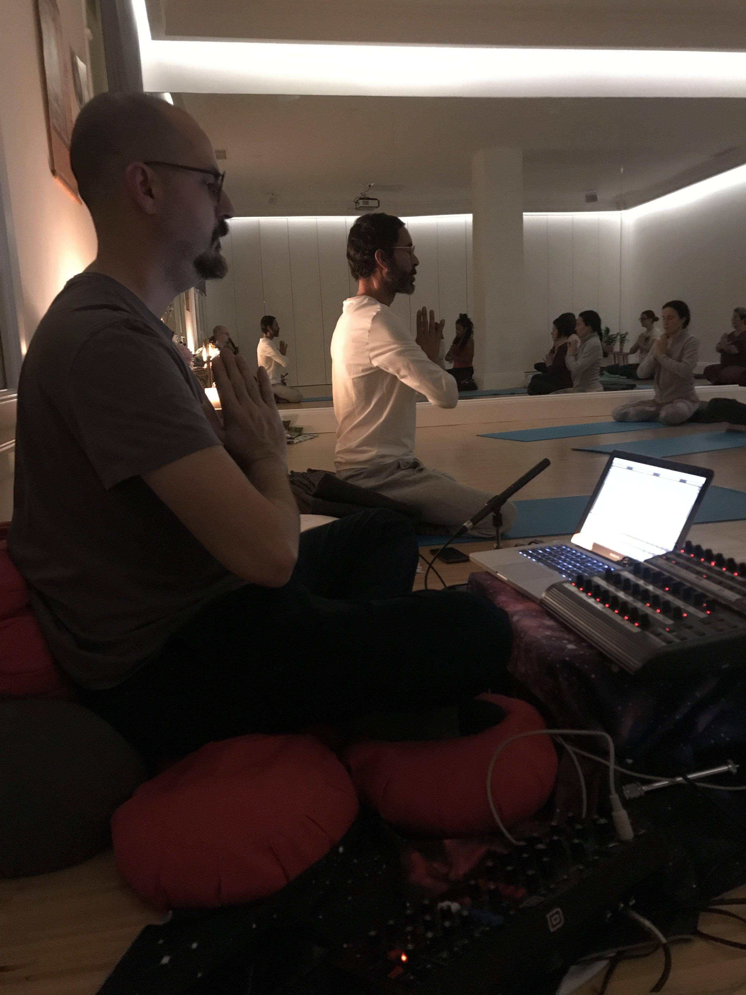 Akasha: Yoga & música electrónica